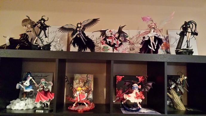 Top Figure Shelf